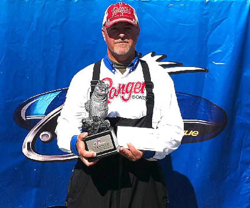 Austin wins walmart bass fishing league volunteer division for Austin bass fishing