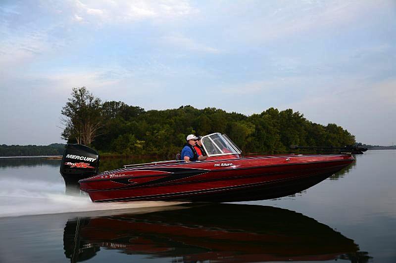 Triton 39 s new 206 allure redefines the fish ski boat for Triton fish and ski